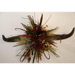 Red Papyrus Double Horn Centerpiece